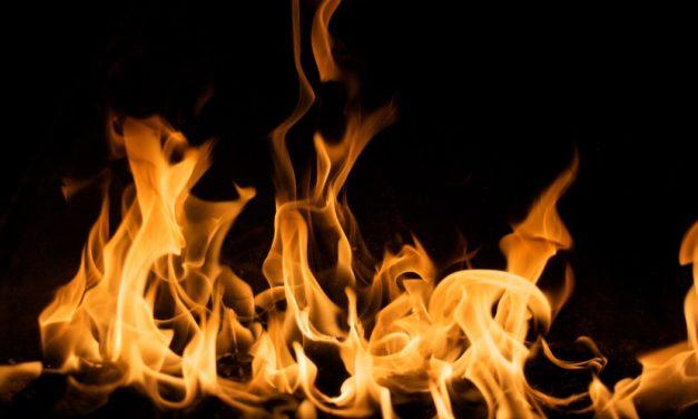 Sete chamas de uma novena de Pentecostes
